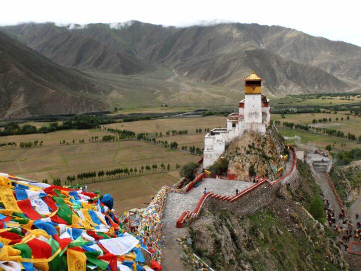 Monastery in Tibet (photo: hbieser, Pixabay)