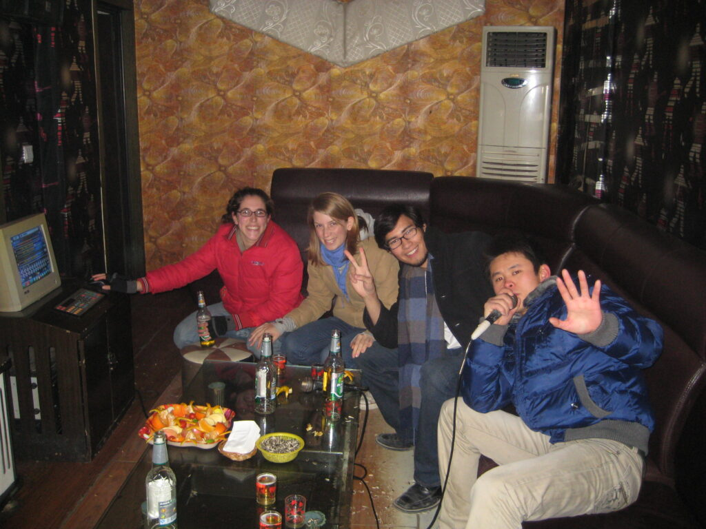 An ordinary night at a KTV place in Jincheng, Sichuan