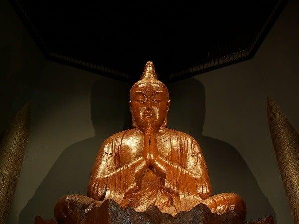 Okinawa's biggest praying statue