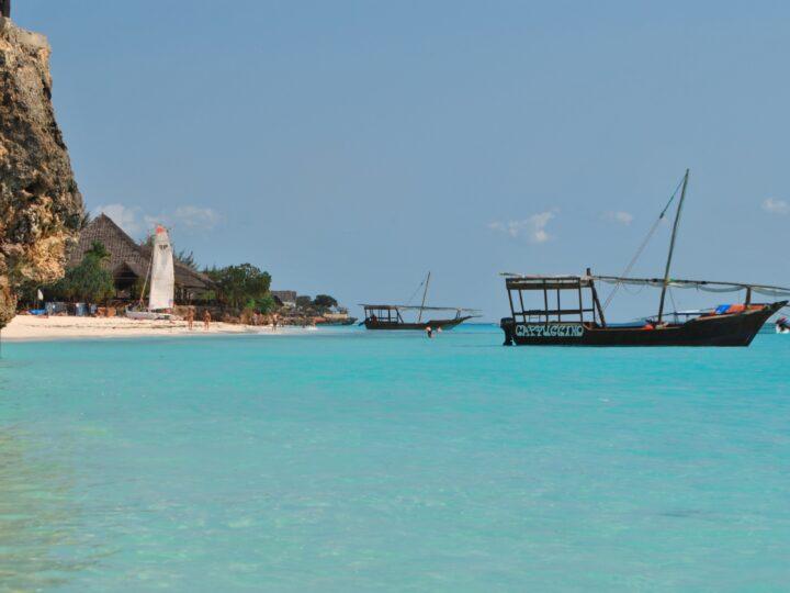 Zanzibar beach (photo: Nici Keil from Pixabay)