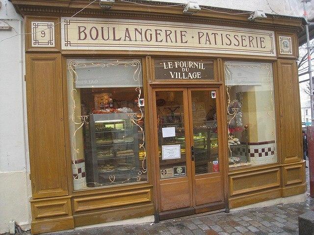 Pastry shop in Paris