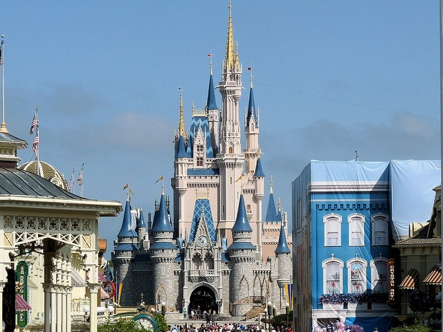 Disney World Trip - Magic Kingdom - Cinderella's Castle (photo: Richard Stephenson)