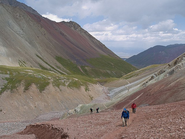 Trekking towards Lenin Peak base camp. (photo by gusjer)