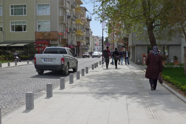 A quiet street in Canakkale.