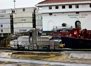 Panama Canal: Day Trip to the Miraflores Locks