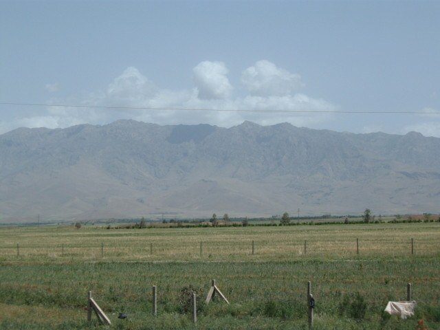 The mountains separating Iraq from Iran