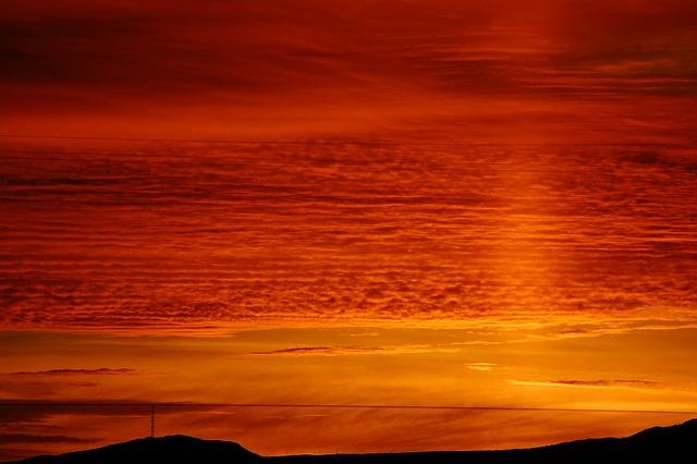Sunrise in Kingman, Arizona (photo: Candie_N (Welcome Spring))