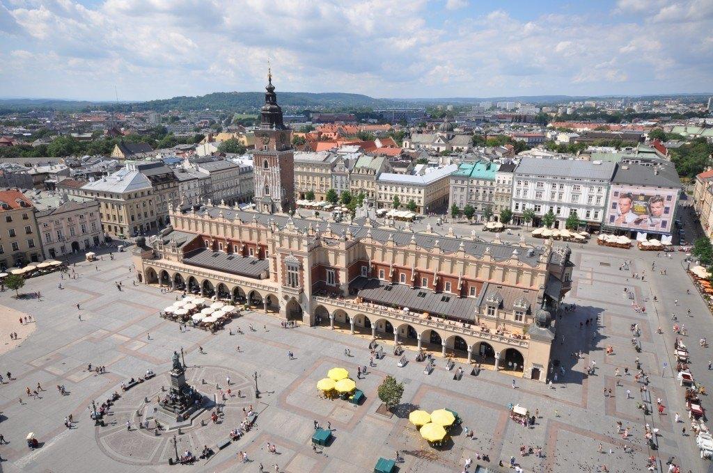Krakow's market square, Rynek G?ówny. (photo: Wikipedia)