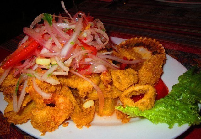 It tasted good going down but that plate of fried seafood I ate my last night in Perú made me really ill.
