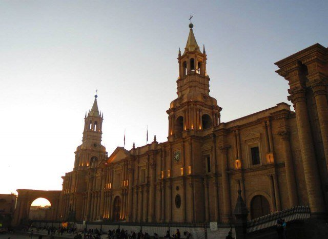 The Catedral and the Plaza de Armas had a nice tinge at sunset.