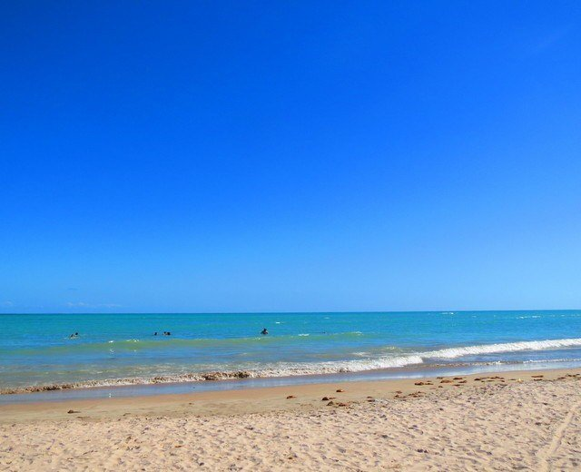 My first beach day, at Praixa Paripueira, was spent with new friends and perfect weather.