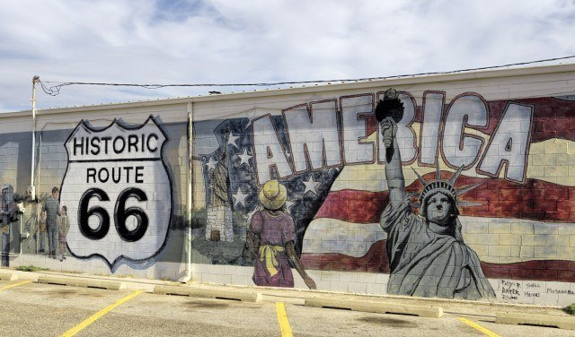 Route 66 mural in Oklahoma (photo: Kool Cats Photography)