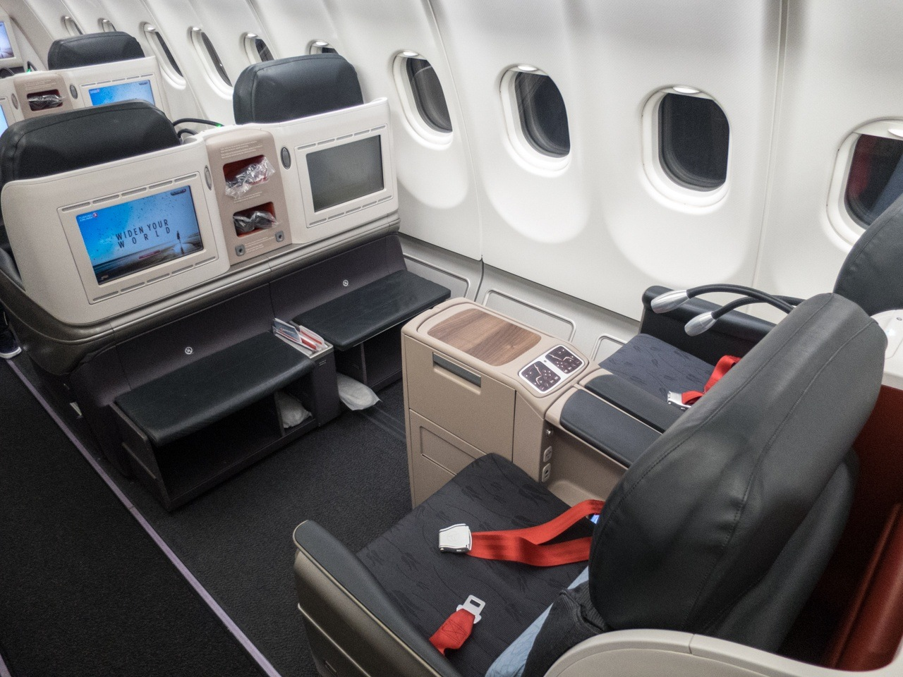 turkish airlines flying business class from nyc to istanbul. Black Bedroom Furniture Sets. Home Design Ideas