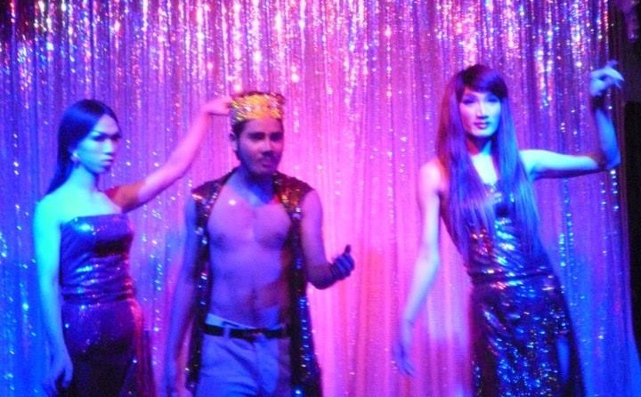 Gay Travel 101: Seek out a tacky drag show