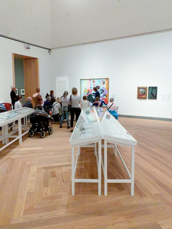 Guided tour at the Modern Art Museum