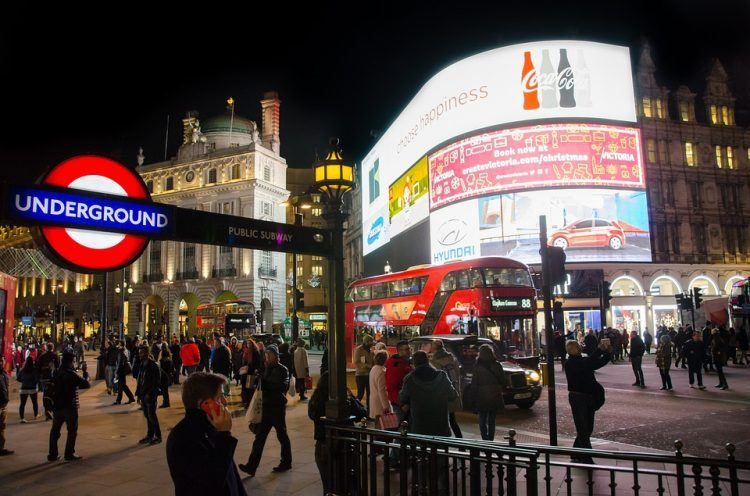 Piccadilly Circus in London (photo: skitterphoto, Pixabay)