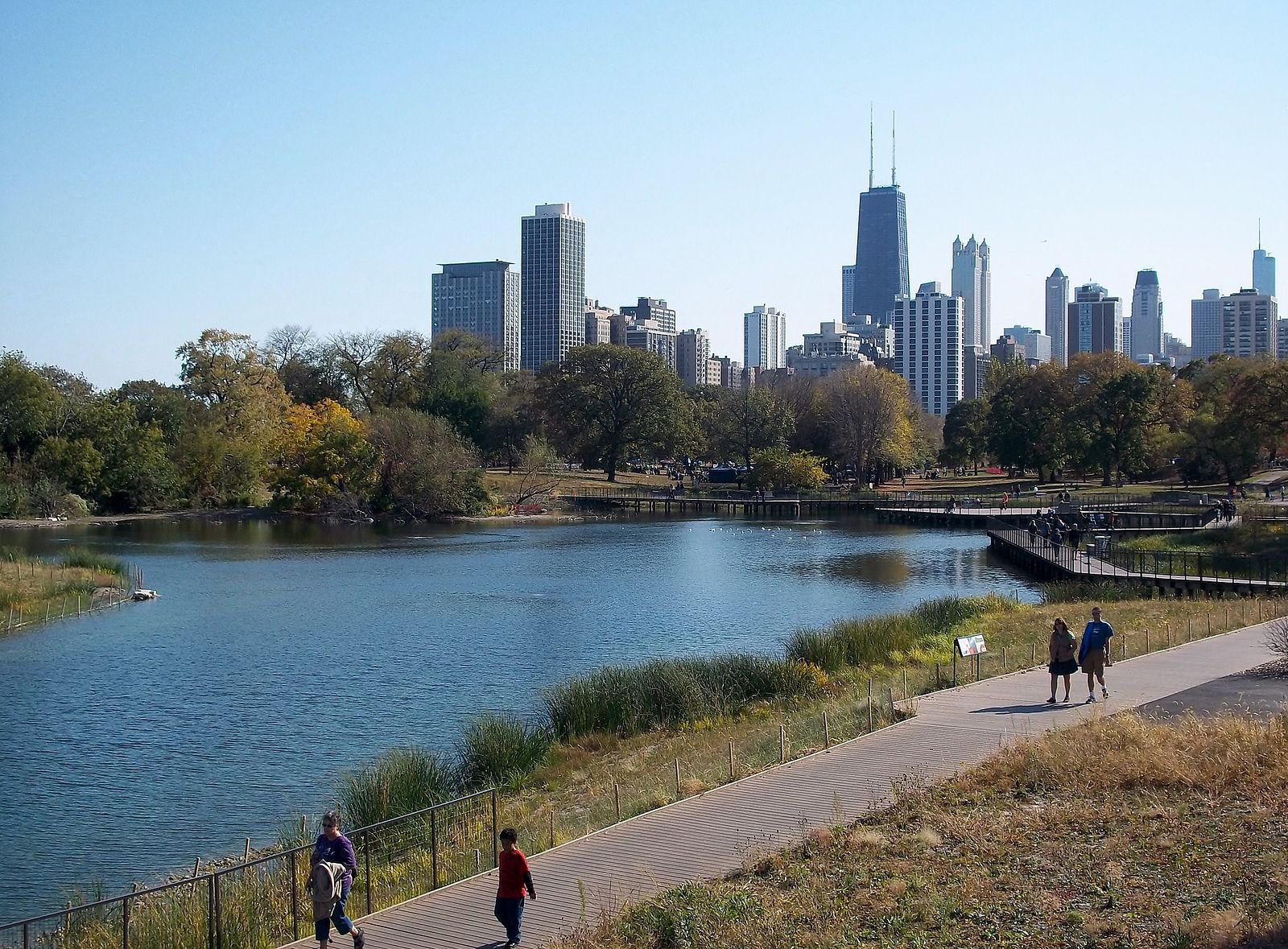Ogling the city from Lincoln Park (Credit: Wiki Commons)