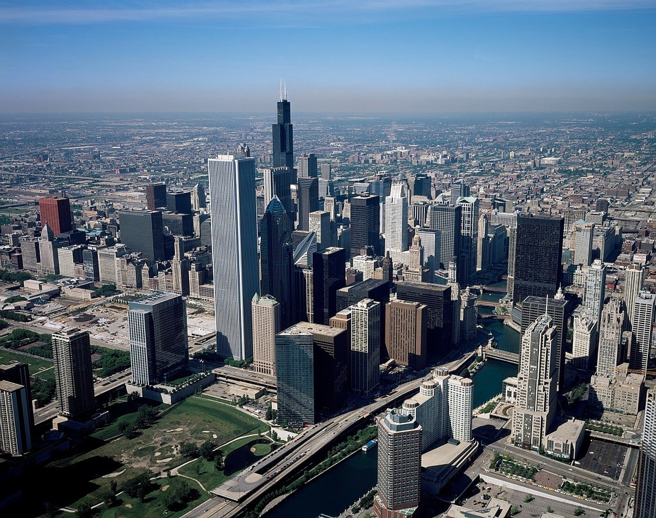Chicago from above (Credit: tpsdave, Pixabay)