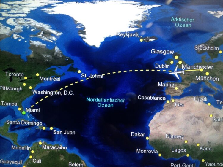 Round the world trip flight map