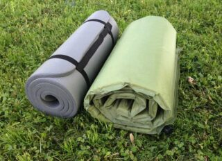 Self-inflatable pad and foam mat