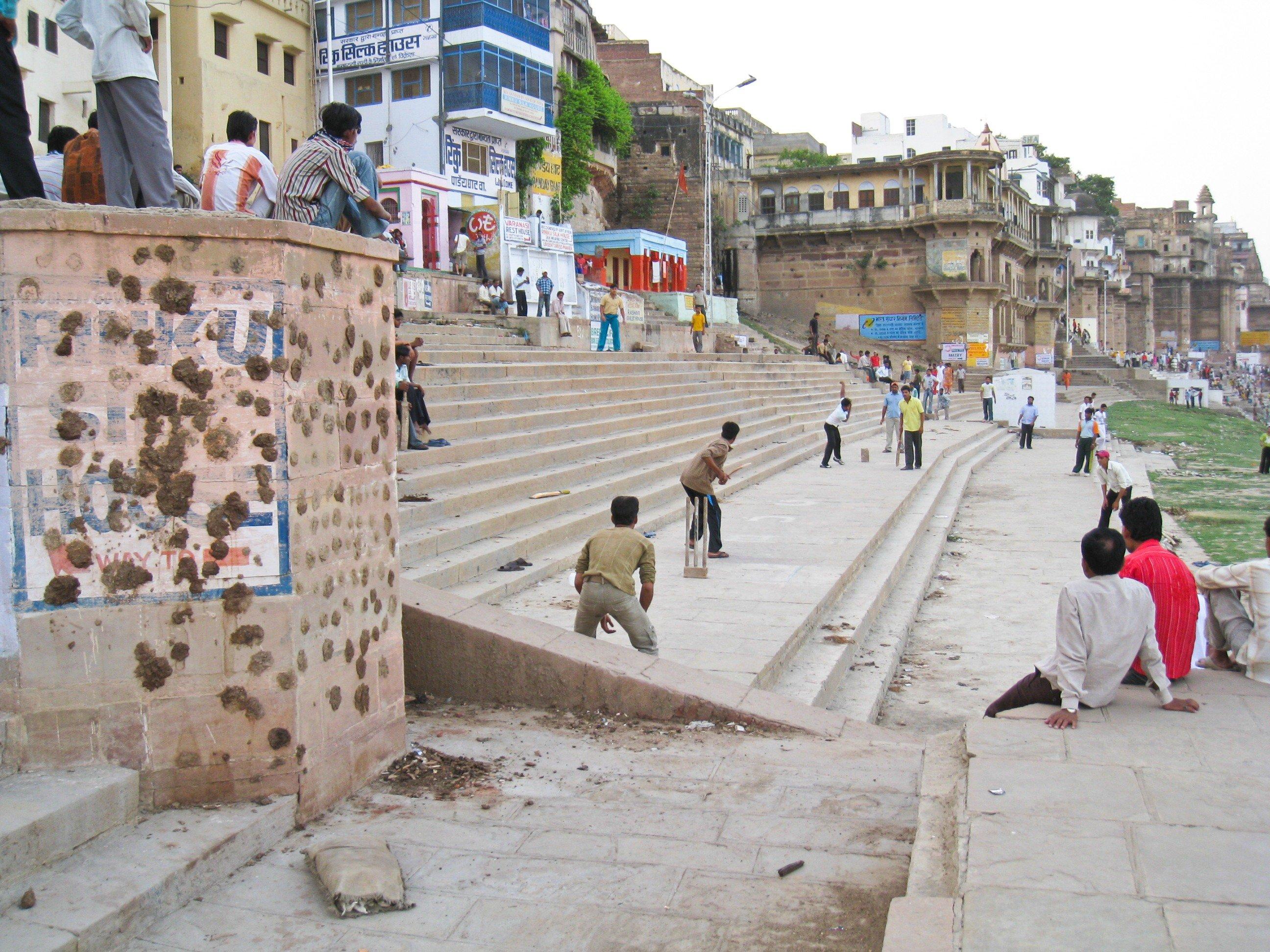 Kids playing cricket in Varanasi, India