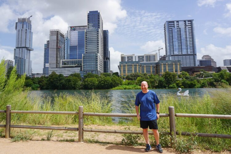 Staying cool in Austin with Columbia sportswear on a walk around Ladybird Lake