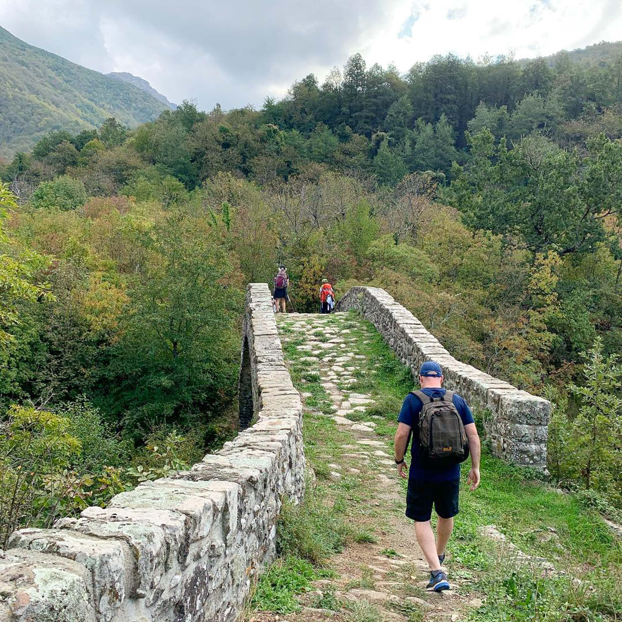 Walking tour in Tuscany