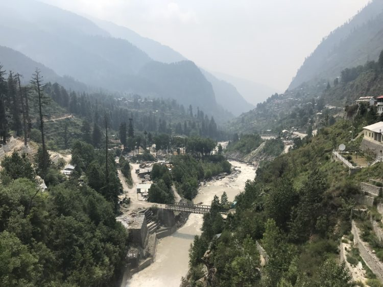 View from the bridge in the Barshaini - the base to Kheerganga trekking