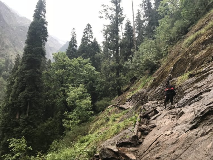 The mountain route - up to Kheerganga
