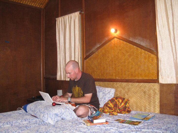 Dave Lee drafting blog posts in a beach bungalow on Koh Samui, Thailand