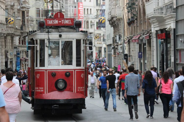 Istiklal Avenue - Istanbul (photo: Samuele Schirò from Pixabay)