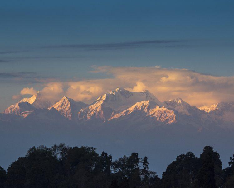 Kanchenjunga (photo: Nilanjan Ghosh via Pixabay)