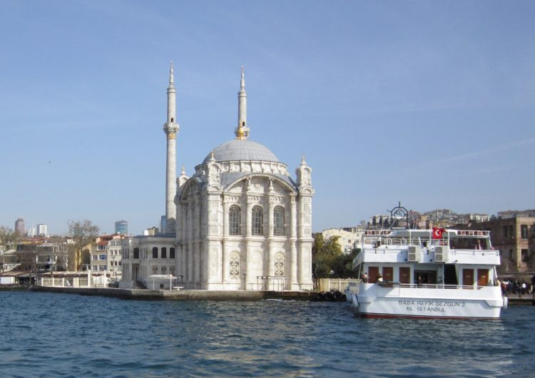 Ortakoy Mosque (photo: Jo Re from Pixabay)