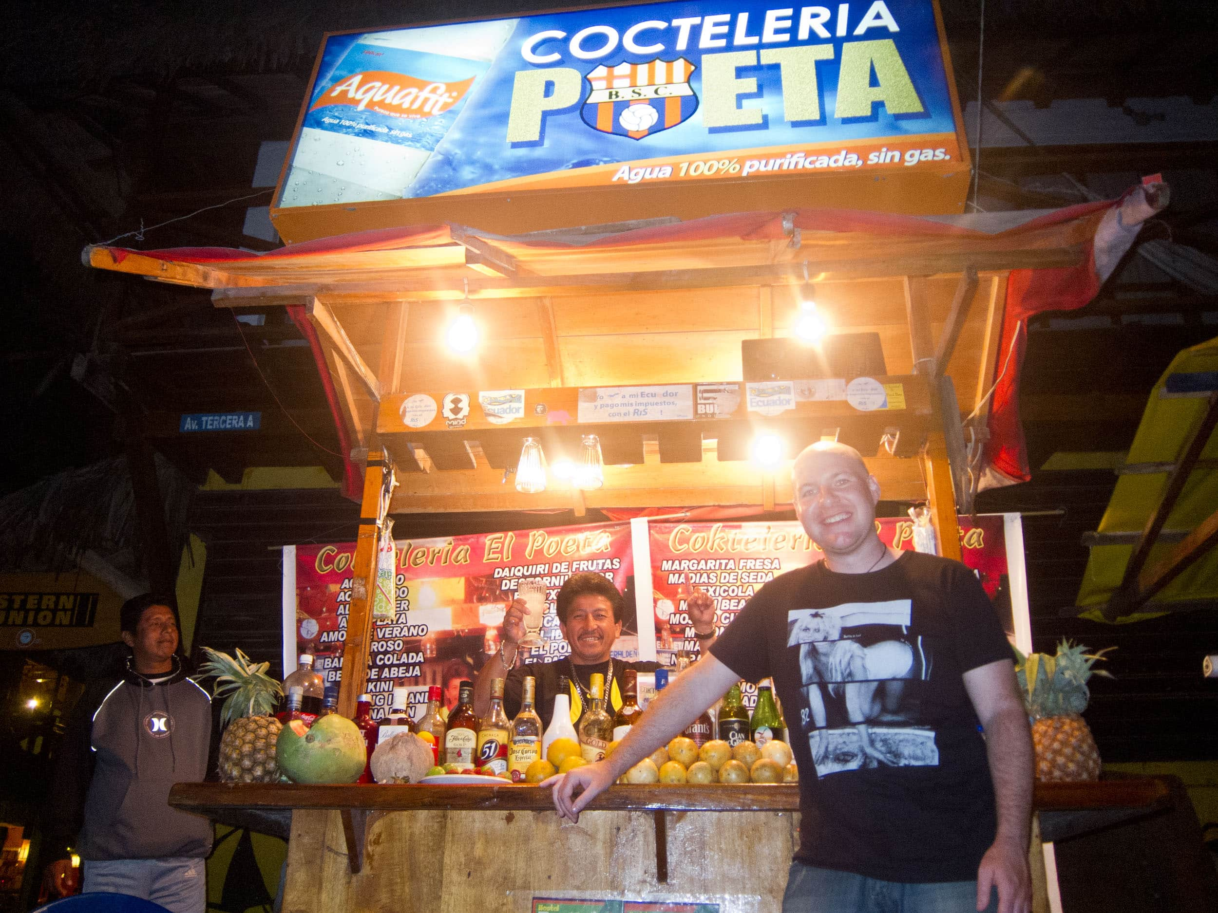 Cocktail vendor