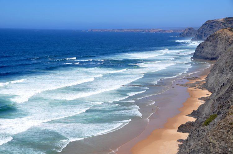 West Coast Algarve (photo: Karl Egger, Pixabay)