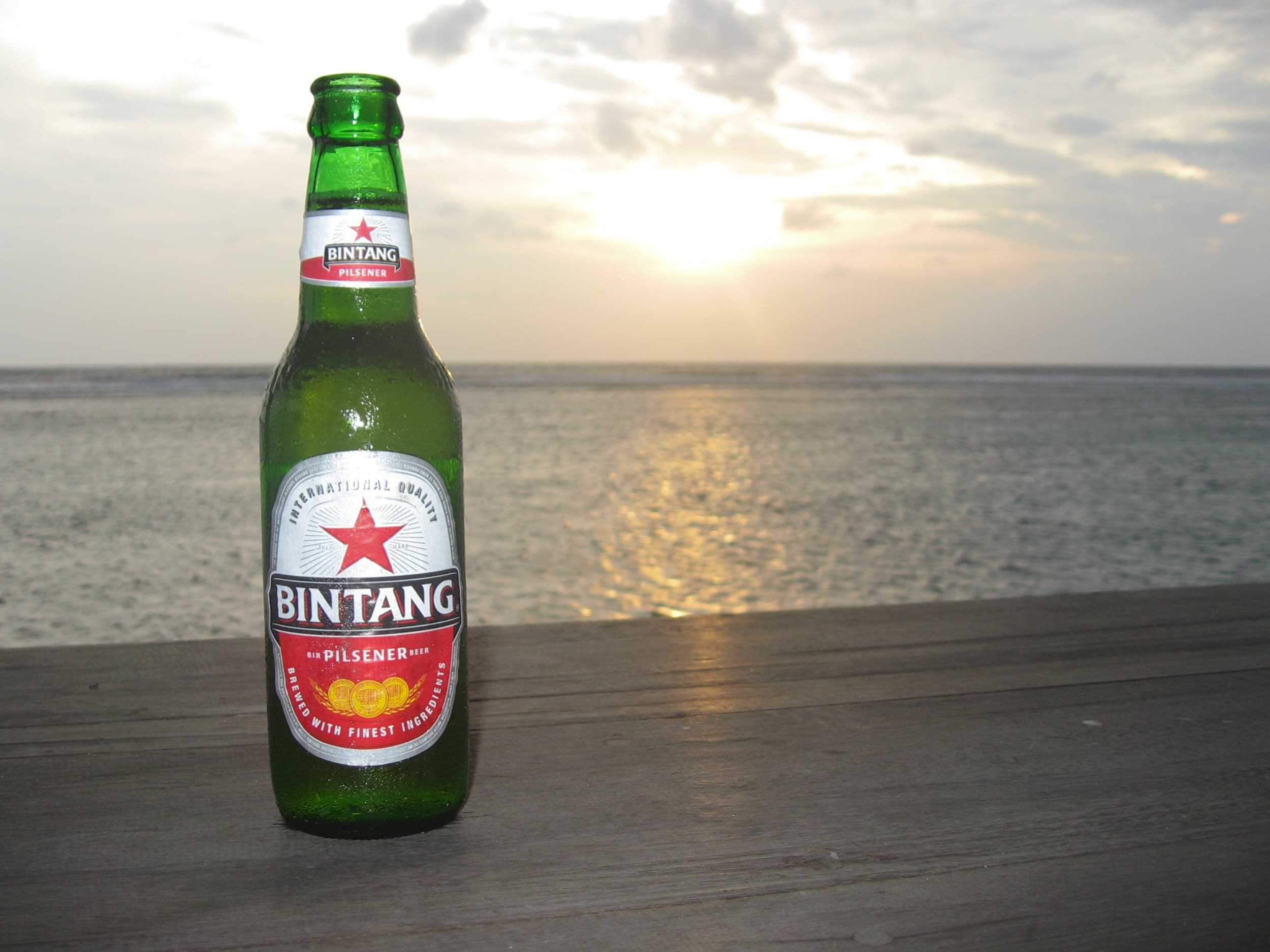 Drinking domestic Bingtang beer can help you keep the cost of travel in Indonesia down.