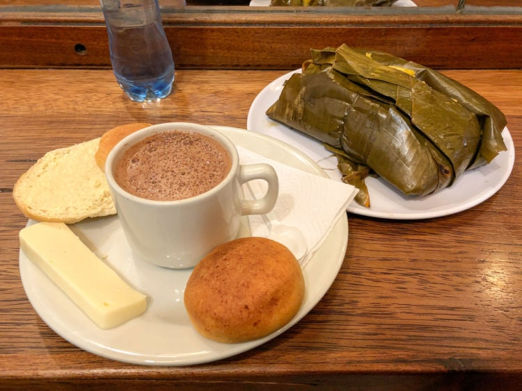 Hot chocolate and cheese at La Puerta Falsa