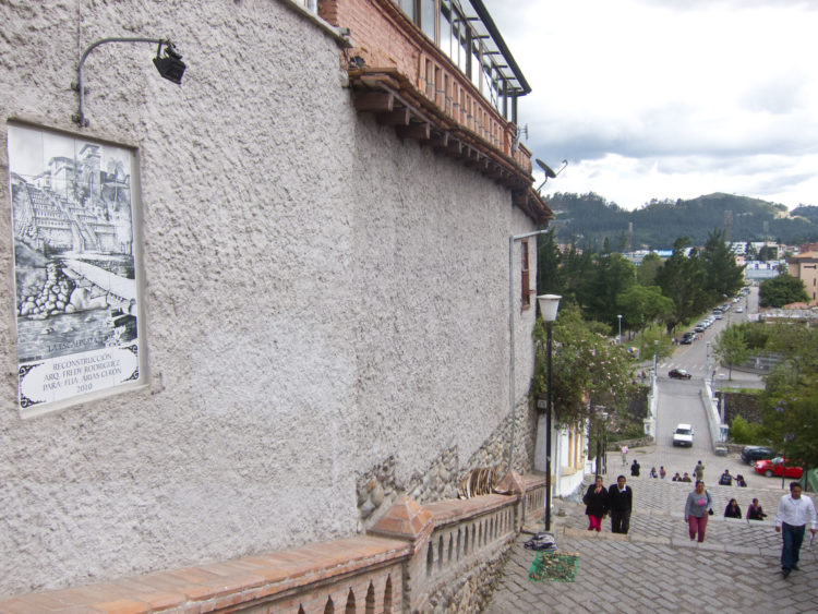 The Escalanita (stairs) connects central and southern Cuenca
