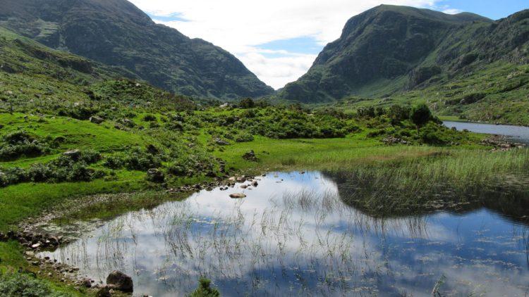 Lake in Killarney (photo: Ciaran O Muirgheasa, Pixabay)