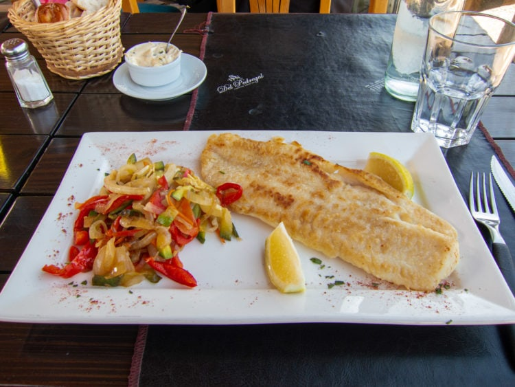 Fish in a lemon sauce at Bar Montevideo (in Pocitos)