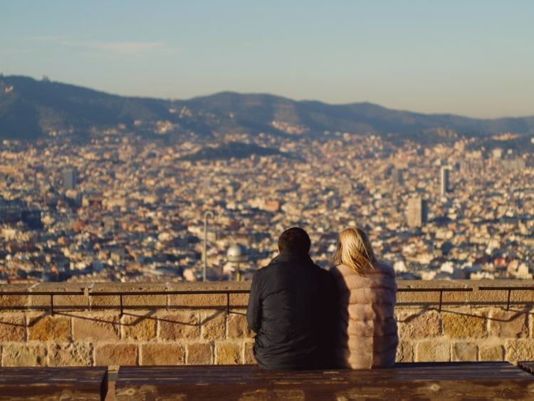 Barcelona, Spain (photo: Tibor Janosi Mozes, Pixabay)
