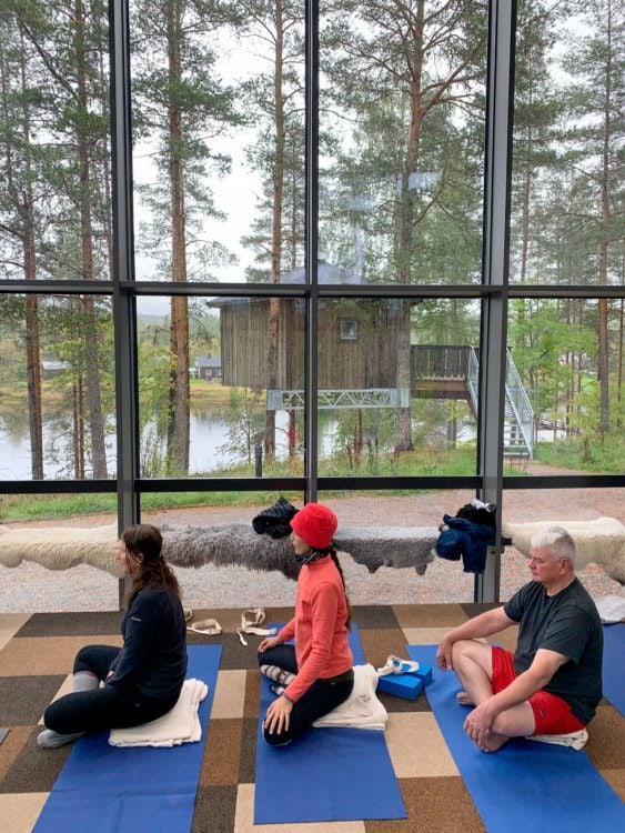 Yoga in the glass house at Granö Beckasin