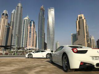 A Ferrari and Lamborghini at Dubai Marina (photo: 5ILI Ducati, Pixabay)