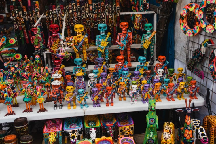 Statues on display at Chichicastenango market