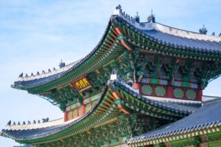 Temple in Seoul (photo: Brady Bellini, Unsplash)