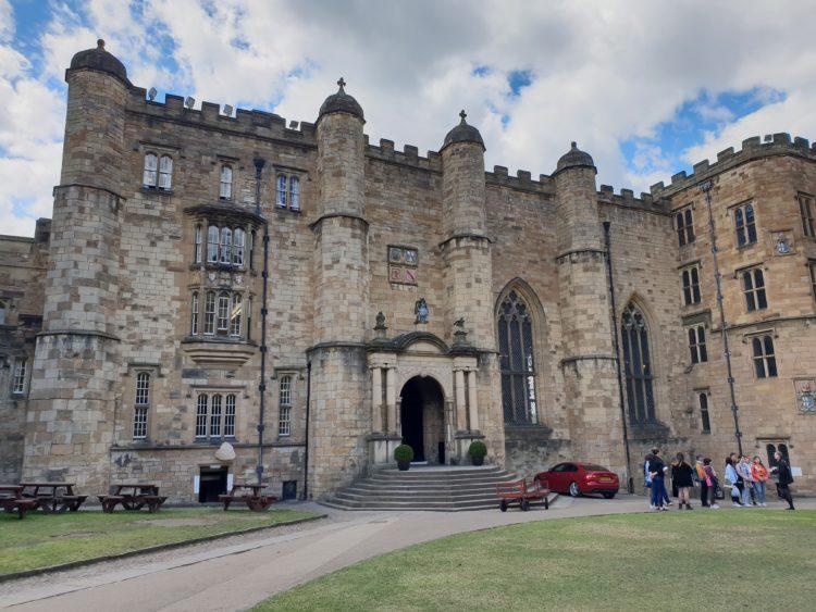 Durham Castle (photo: buggump dekdee, Pixabay)