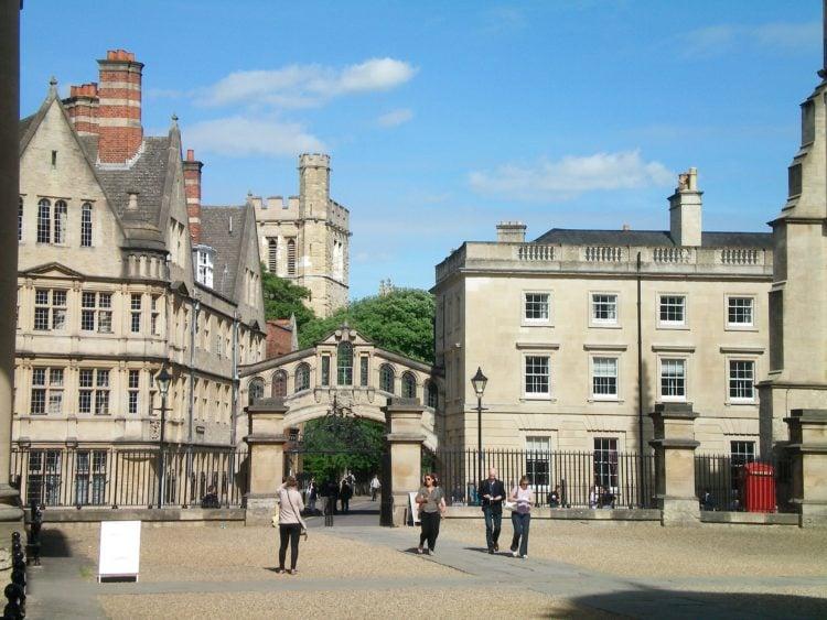 Oxford, England (photo: papannon, Pixabay)