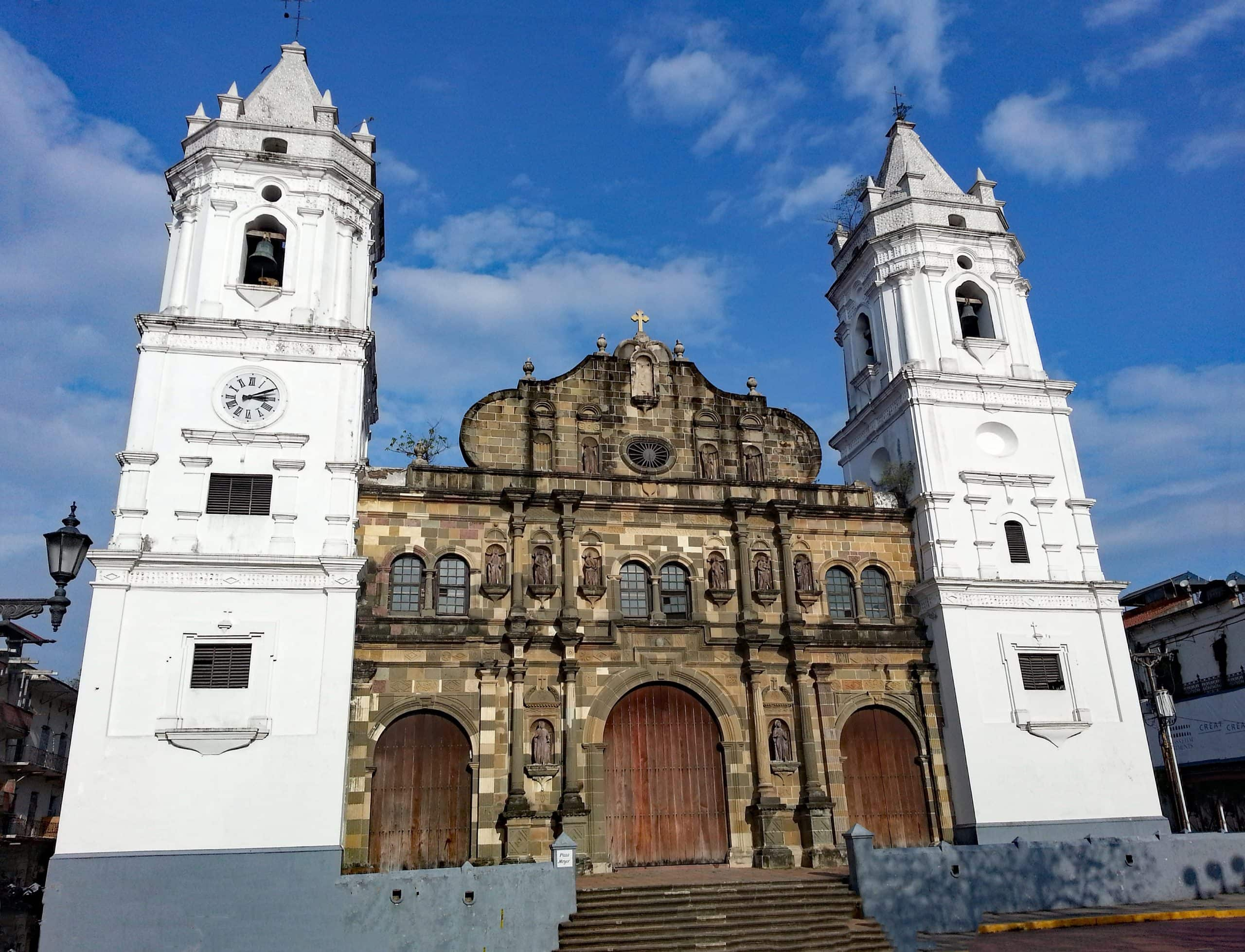 Cathedral in Casco Viejo, Panama (photo: lapping, Pixabay)