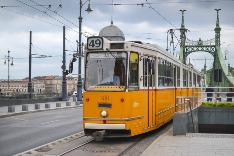 Tram in Budapest, Hungary (photo: Arunas Kazakevicius, Pixabay)