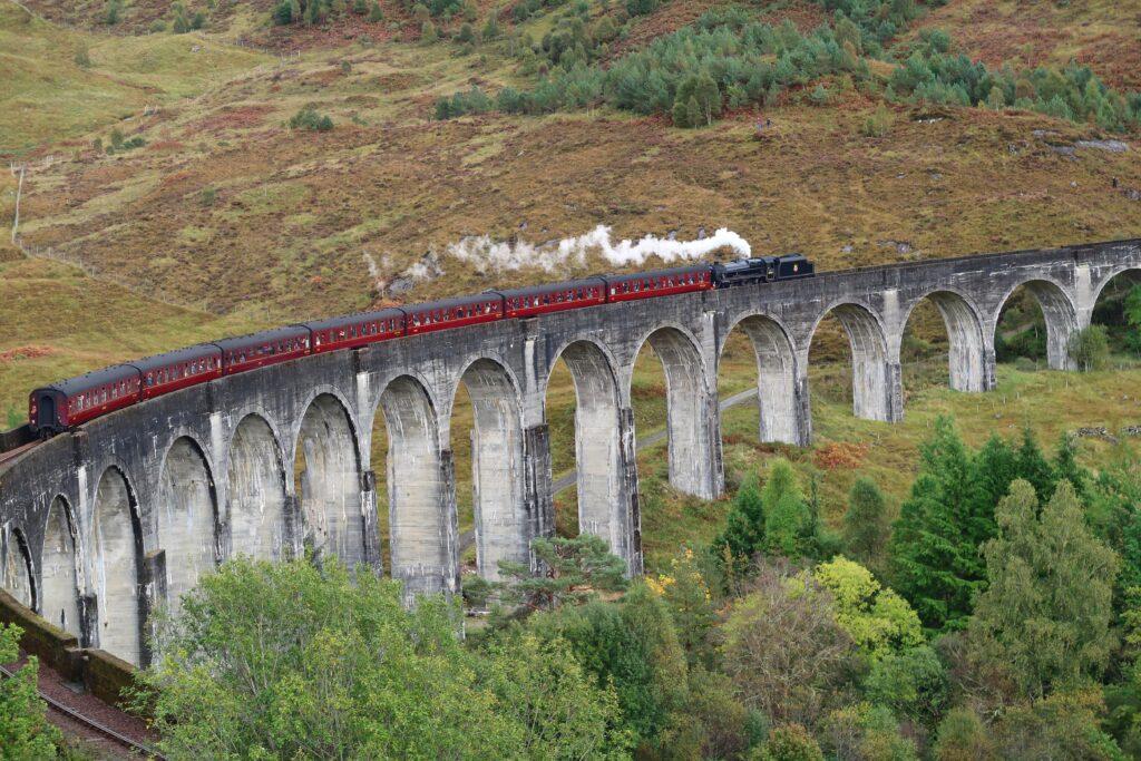 Glenfinnan Viaduct (photo: Andreas Senftleben, Pixabay)